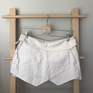 BNWT Aritzia Talula shorts